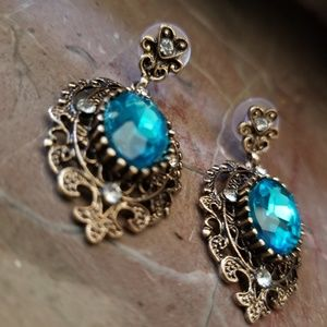 Jewelry - Cyan Crystal Rhinestone Silver Plated Earrings